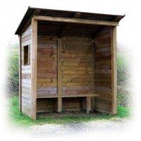 Abris en bois ouvert ou semi fermé avec banc