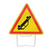 Panneau avec pied solidaire Risque d'accident