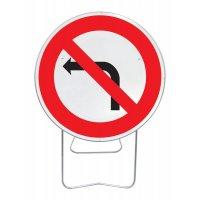 Panneau avec pied solidaire Interdit de tourner gauche