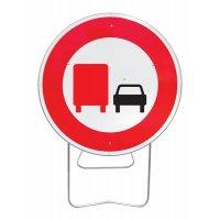 Panneau avec pied solidaire Interdit aux camions de doubler